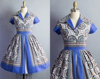1950s Print Dress/ 50s novelty print short sleeve shirtwaist dress/ Medium (37b/29w)