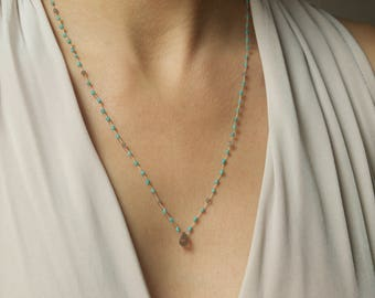 hand knotted necklace/turquoise and labradorite/feminin and dainty/delicate and sturdy/one of the kind/adjustable