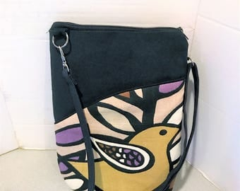 Crossbody bag with bird motif