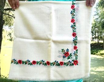 Russian scarf White shawl Wedding shawl Floral shawl Wool shawl Floral scarf Wool scarf White scarf Vintage shawl Vintage scarf Wrap USSR