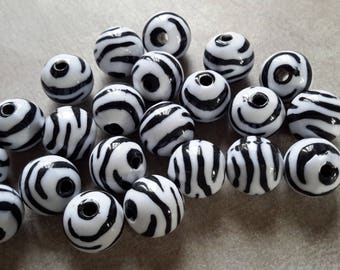 Large round beads, Zebra, stripes, black pearls beads and white, acrylic, 12 mm