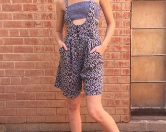 80s / 90s Floral Print Overall High Waist Shorts / Suspenders / Wide Leg Romper / Size S Small