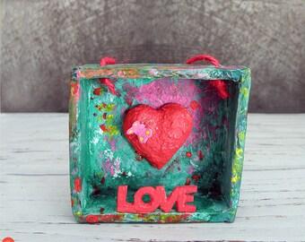 Love Shadow Box, Mini Heart Framed, Hanging Heart Decor, Paper Mache Diorama Heart, Valentine's Decor, Wedding Gift, Anniversary Heart