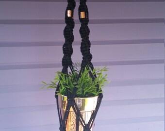 Macrame plant hanger Black