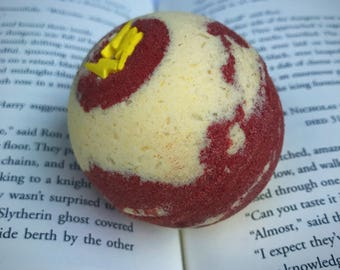 Harry Potter's Brave at Heart Butterbeer/Butterscotch Scented Bath Bomb with charm inside