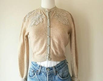 Vintage 1950s Stella Wanfrid NEW YORK cream beige cardigan with lace appliques