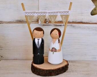 Wedding Cake Topper Personalized. Rustic Cake Topper. Custom Wedding Peg Cake Topper. Bride Groom Figurines Pedestal Wood Slice Banner LOVE