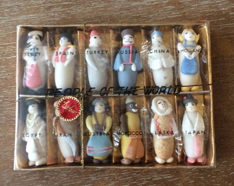 Vintage Dufour People of the World Candy from Italy