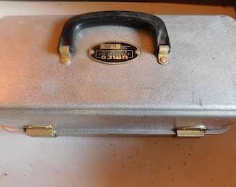 Vintage UMCO Fishing Aluminum Tackle Bot 103A Made in US With Vintage Or Old Fishing Lures Lot
