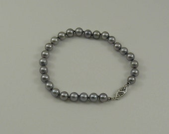 Akoya Gray Pearl Single Strand Bracelet with 14k White Gold Clasp