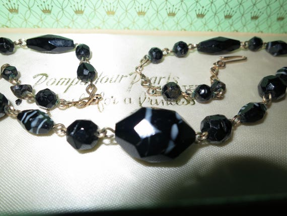 Lovely Vintage Art Deco faceted black and white art glass rolled gold necklace