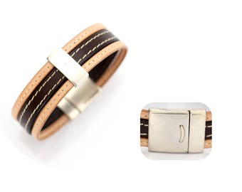 Men leather bracelet / leather stitched / dark brown and natural / passing bar / magnetic closure