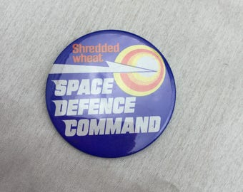 Vintage 1980s Shredded Wheat Space Defence Command Promotional Advertising Badge