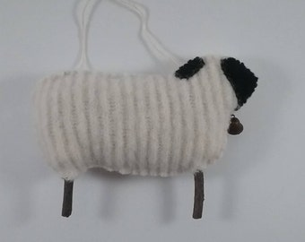 Primitive Sheep/prim decor/accent or ornament/wool fabric