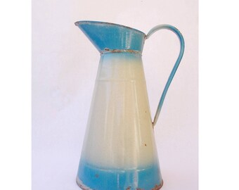 Vintage French enamelware water pitcher, broc ancien, vintage enamel jug, French enamelware, blue enamelware, 1930s, French countryside