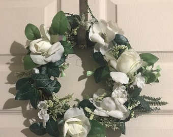 Vintage White Color Roses Wreath,  Artificial Small Flower Wreath, Cottage Chic Decor, Home Decor, Rustic Floral