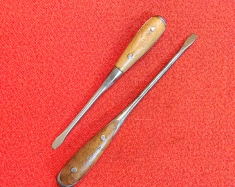 Antique Screwdrivers 2 Straight Flathead Wood Handle High Quality Steel Tools