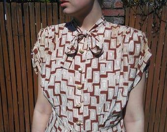 1940s brown silk novelty print shirt dress // medium