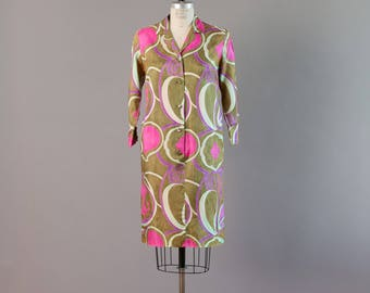 Early 1960s Alfred Shaheen Hawaiian Printed Designer Button Front Dress