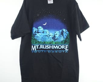 Vintage 1990s Mt Rushmore South Dakota Metallic Print Black Tee T Shirt - XL