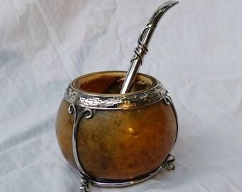 Conjunto de Mate y Bombilla / Mate and straw set, for yerba mate tea