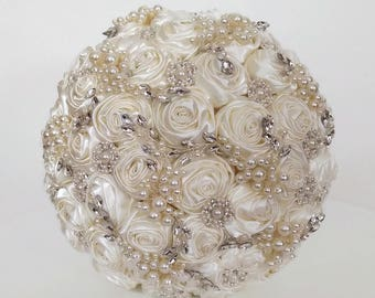 Ready brooch bouquet Wedding bouquet Bridal bouquet Ivory bouquet Rhinestone bouquet Keepsake bouquet Wedding flowers Bouquet Ready to ship