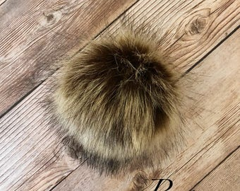 Faux Fox Fur Pom Pom, Fake Fur Pom Pom, Medium Pom Pom for Hat / Toque, Cruelty Free Craft Supply, Pom Pom for Keychain / Purse Attachable