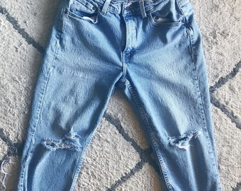 Distressed Cropped Levis