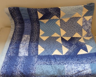 Hand quilted cotton blue patchwork Lap Quilt Table cloth Throw Quilt County Picnic