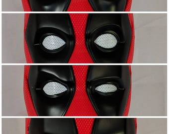 Textured DEADPOOL mask V2 with magnetic facial expression