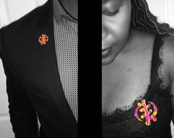 Kente Gye Nyame (The Supremacy of God) Brooches/Pins
