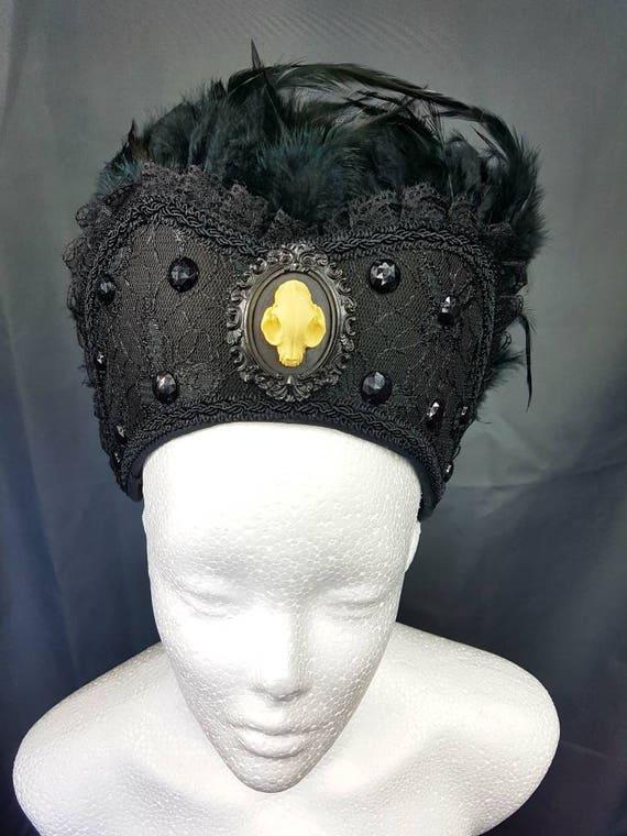 Cat Cameo Gothic black Kokoshnik / Katzenresin cameo Frenchhood with feather trim and lace