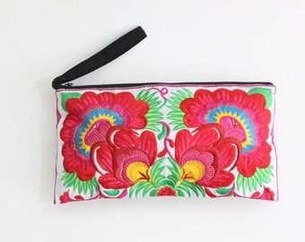 Women Boho Flower Clutch With Embroidered Fabric
