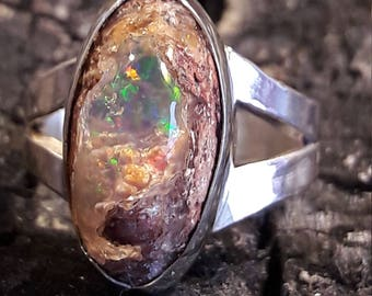 Mexican Opal, opal ring, silver ring Opalo hand-made fire crafts in metal with gemstones