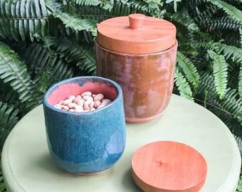 Ceramic jars with wooden lid (Set of 2)
