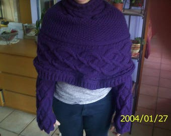 Poncho shawl covers shoulders woman pattern twists with these knitted fingerless gloves hand knitted purple