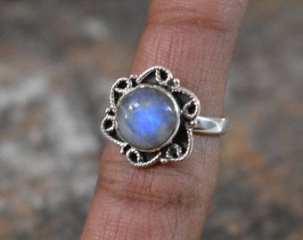 size-6.5us,moonstone ring,blue moonstone ring,gemstone ring,moonstone ring,natural moonstone ring