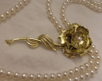 Vintage Gold Tone Flower Pin with Faux Pearl