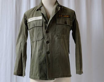WWII Short Medium U.S. Army Herringbone Twill Fatigue Jacket