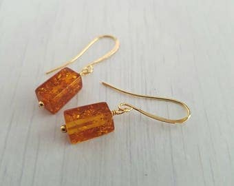 Golden amber, rectangular, wire wrapped, gold plated earrings.