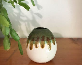 Vintage drip pottery - egg shaped vase