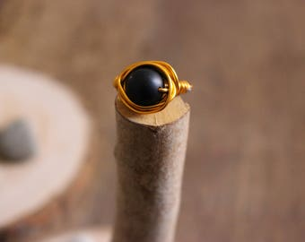 Aluminium ring with wire technique with onyx 10 mm