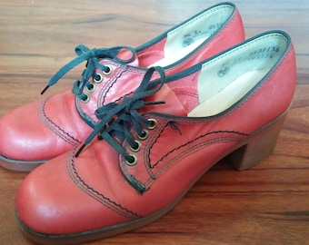 Vintage MISS AMERICA brand Unique Red Oxfords size 5.5