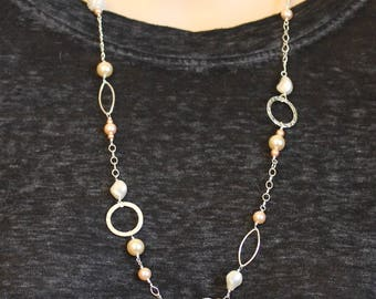 Peach Cream Swarowski Chain Necklace