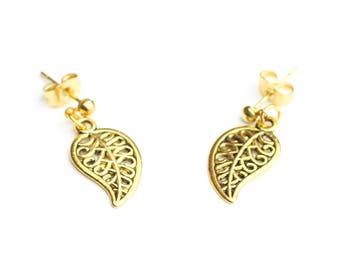 Earrings studs gold leaves