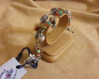 Bracelet with carnelian, Jasper, Participantses