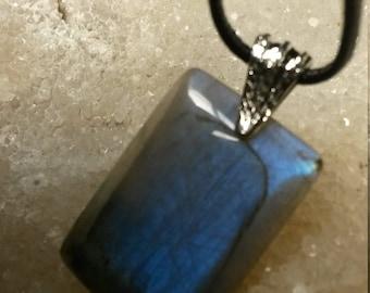 Labradorite 15.76Gr bleue grise -Pendentif rectangle
