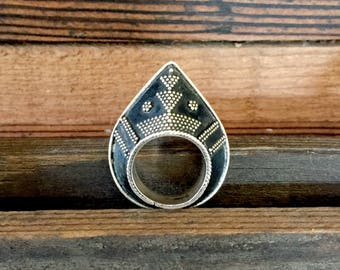 Triangle Maharani Ring