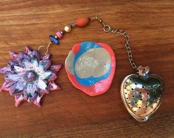 Flower Tea Infuser with dish, Handmade Porcelain-Clay Tea Trinket Infuser/Steeper