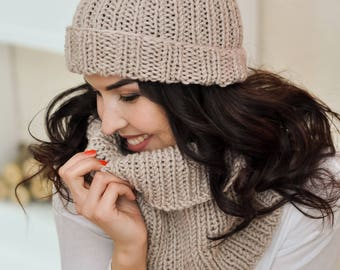 Knitted scarf Snood hooded scarf Women scarf Beige scarf Knit beanie scarf Ladies scarves Handmade scarf Knit scarf Circle scarf Loop scarf